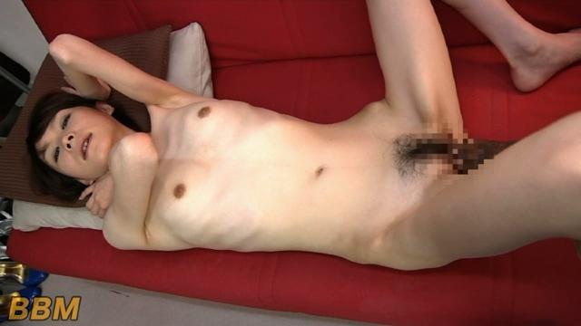 清純な巨乳美女をお風呂場で犯しまくるエロ動画