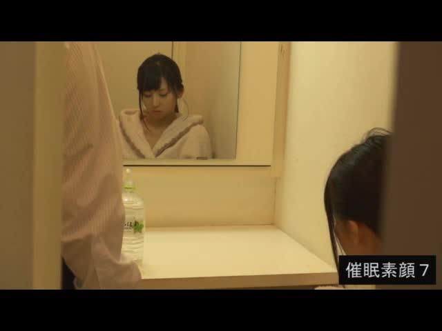 【佐々木恋海】催眠撮影の合間に見せる女優たちのキュートな一面